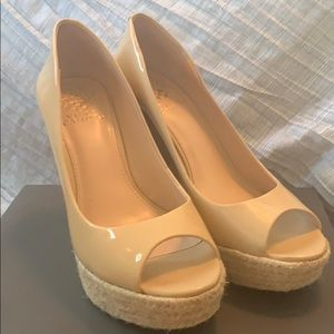 Authentic barely worn nude Vince Camulto wedges